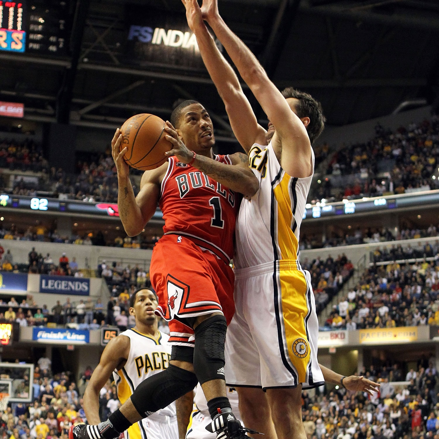 Derrick Rose against the Pacers