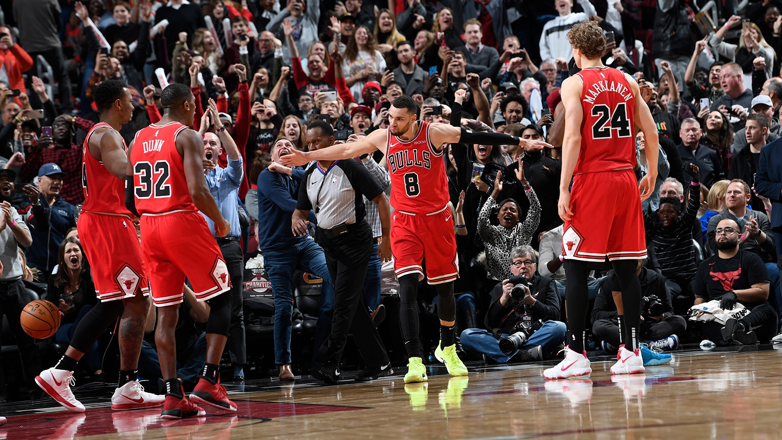 Bulls Beat Clippers 109-106 in Chicago | Chicago Bulls