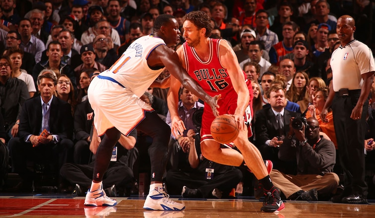 Bulls rout Knicks in season opener