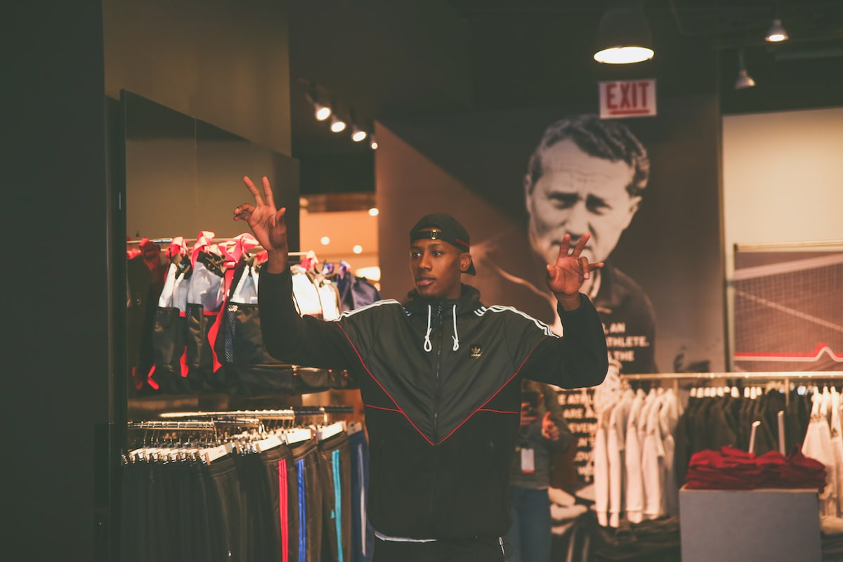 KRIS DUNN SURPRISES MERCY HOME KIDS WITH ADIDAS SHOPPING SPREE ...