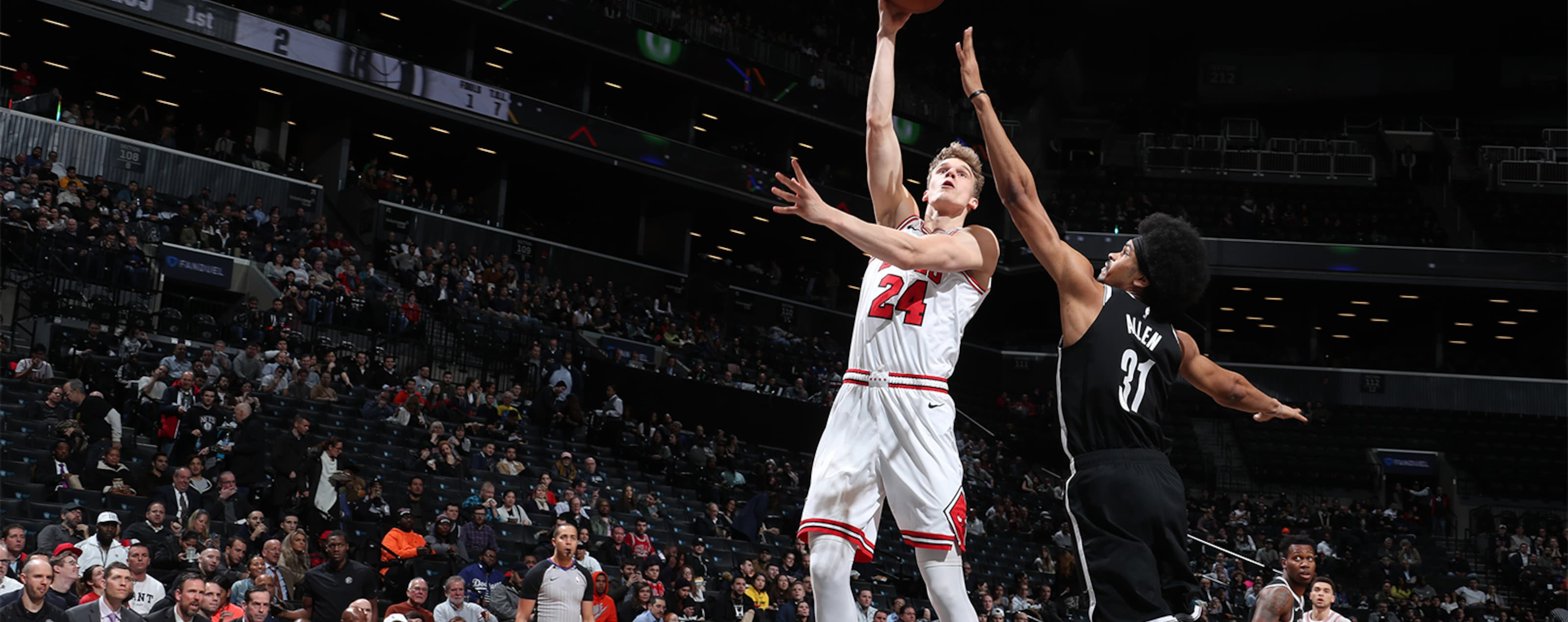 Lauri Makkanen shoots over the Nets