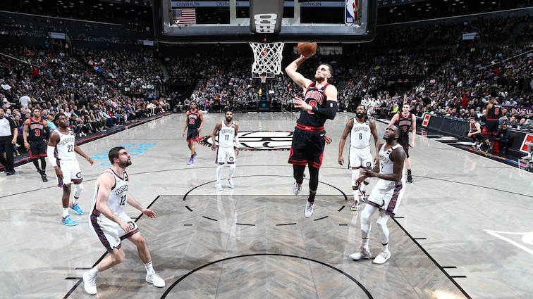 Zach LaVine dunks against the Nets