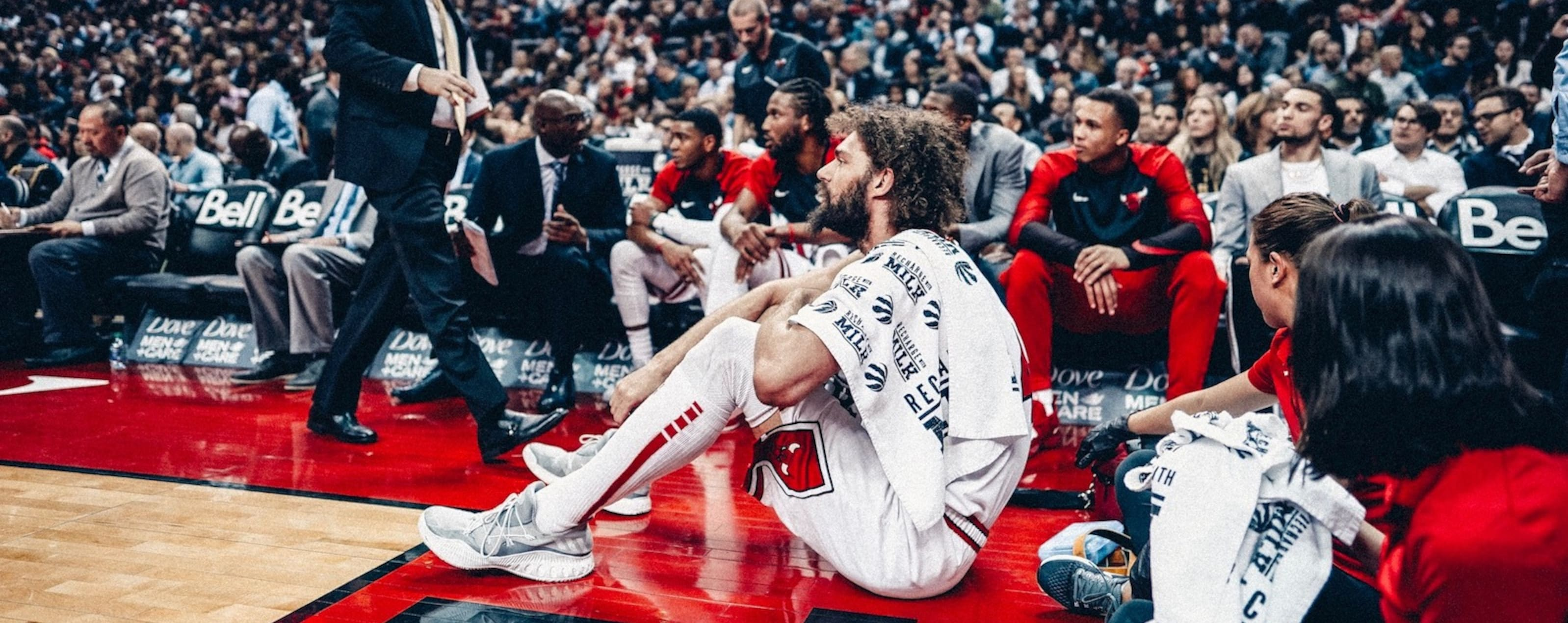 Lopez Sits on the Floor in Toronto
