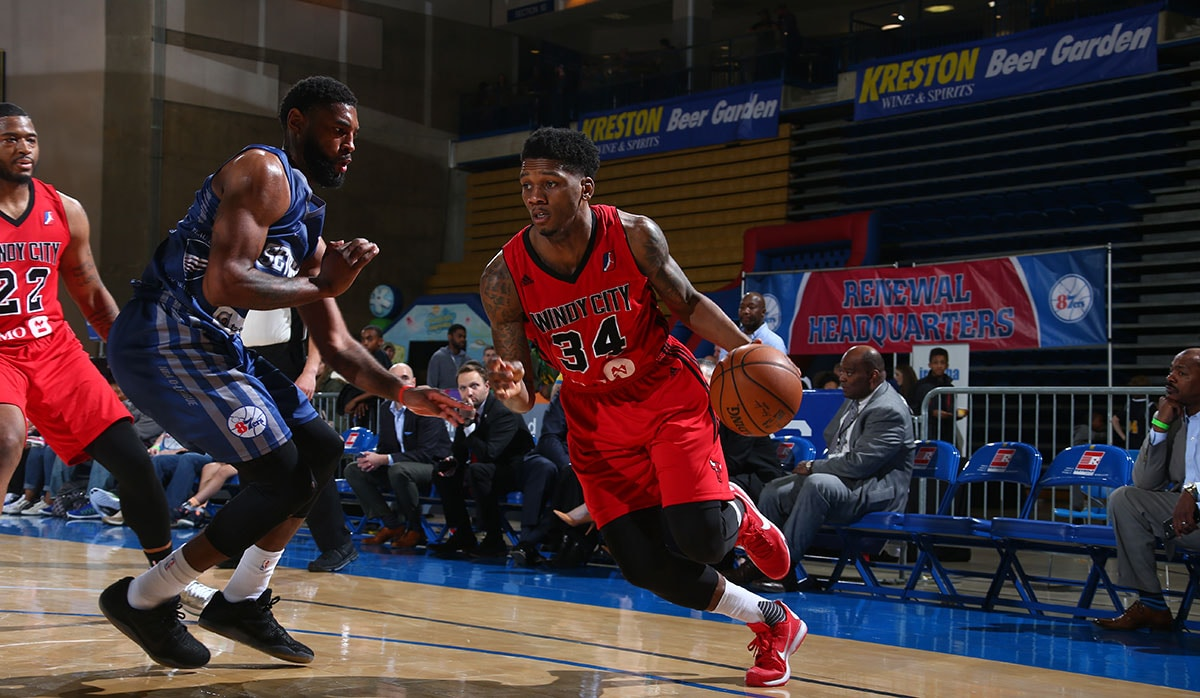 Alfonzo McKinnie #34 of the Windy City Bulls against Shane Edwards #13 of the Delaware 87ers during the game on March 25, 2017 at Bob Carpenter Center in Newark, Delaware.