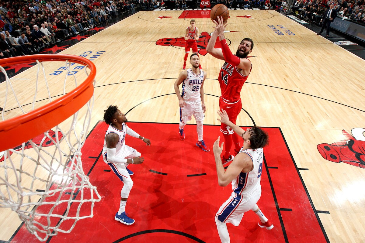 Nikola Mirotic #44 of the Chicago Bulls goes to the basket against the Philadelphia 76ers on December 18, 2017 at the United Center in Chicago, Illinois.