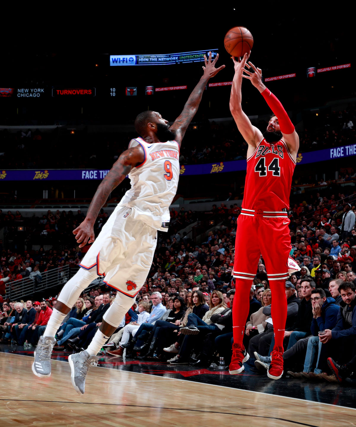 Nikola Mirotic #44 of the Chicago Bulls shoots the ball against the New York Knicks on December 9, 2017 at the United Center in Chicago, Illinois.