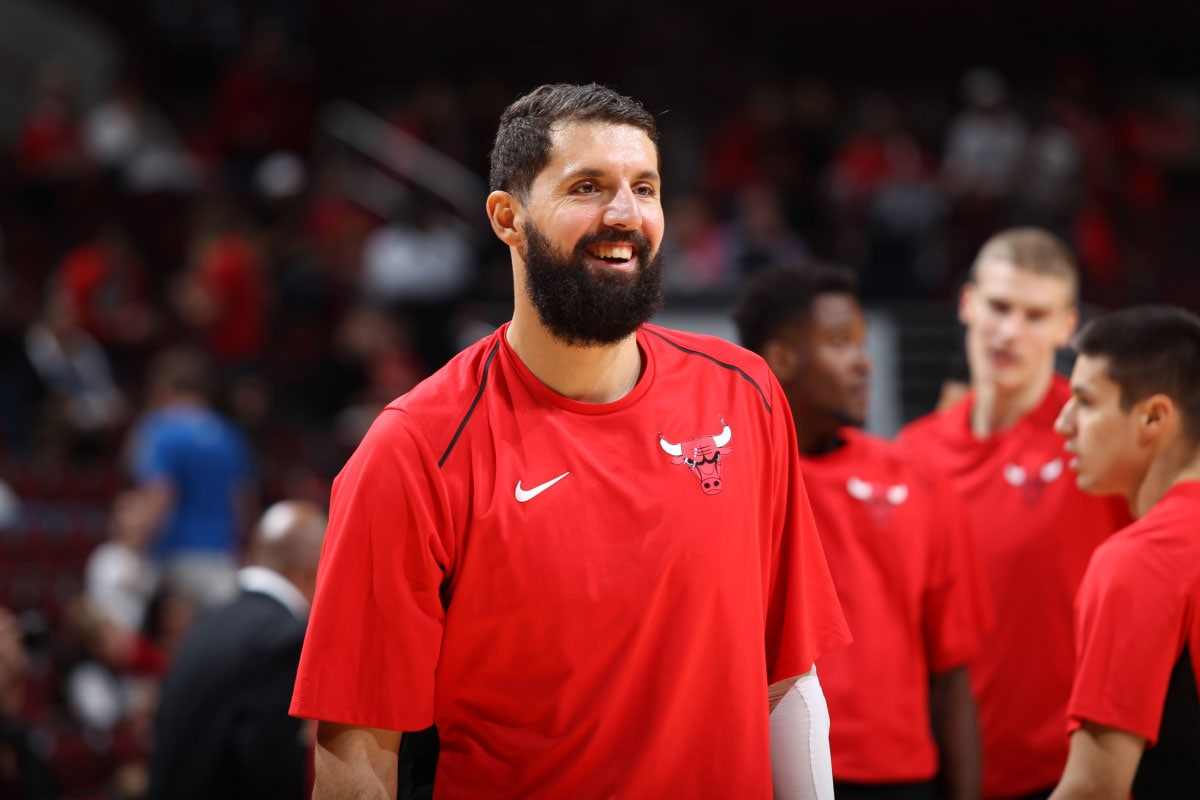 Nikola Mirotic #44 of the Chicago Bulls warming up before a game.