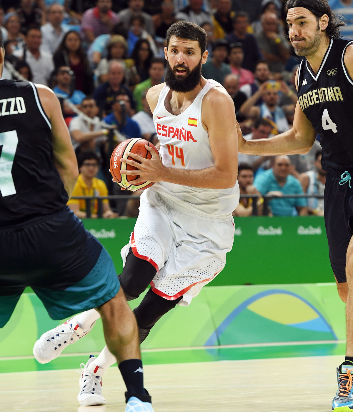 Nikola Mirotic #44 of Spain handles the ball against Argentina on Day 10 of the Rio 2016 Olympic Games at Carioca Arena 1 on August 15, 2016 in Rio de Janeiro, Brazil.