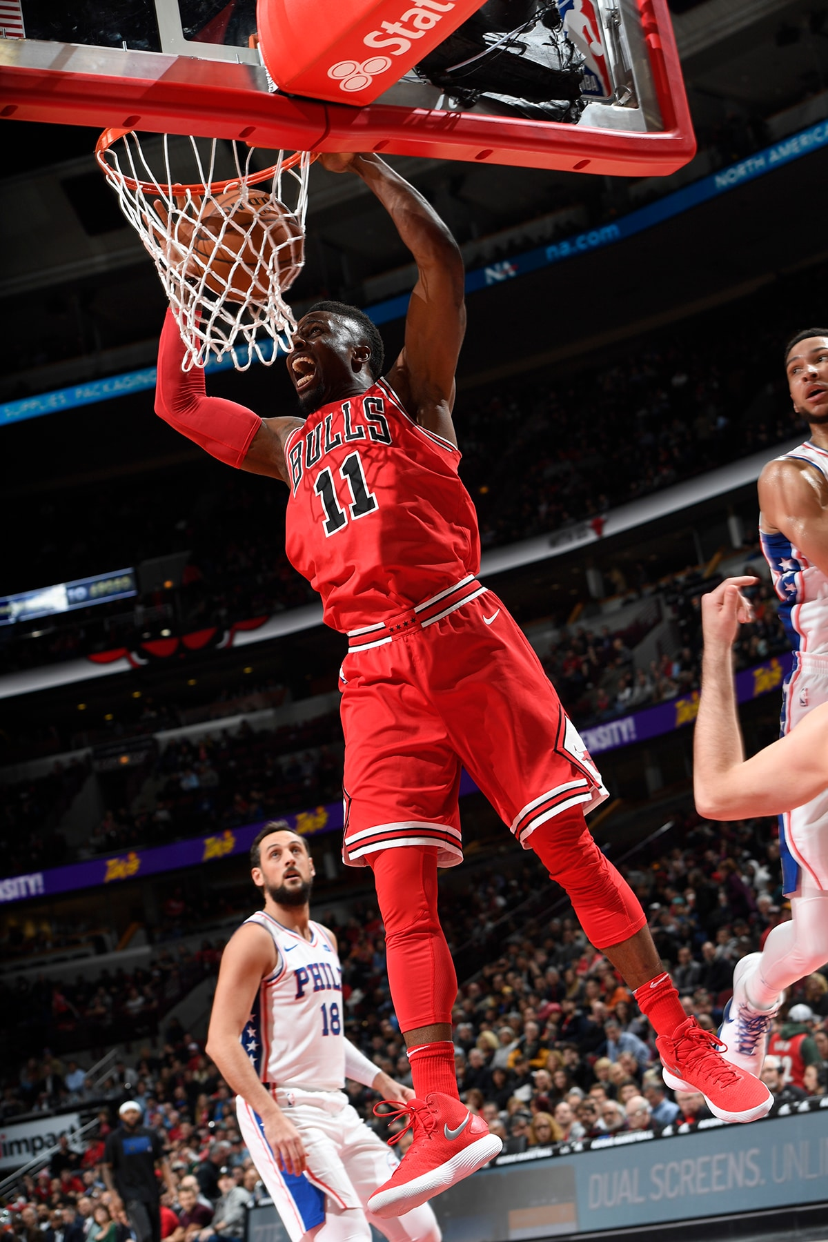 David Nwaba dunks the ball against the 76ers