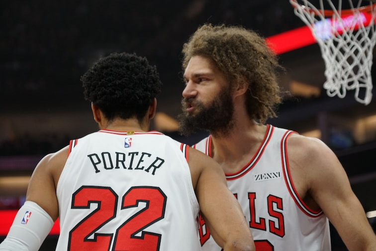 Robin Lopez and Otto porter Talk on the Court