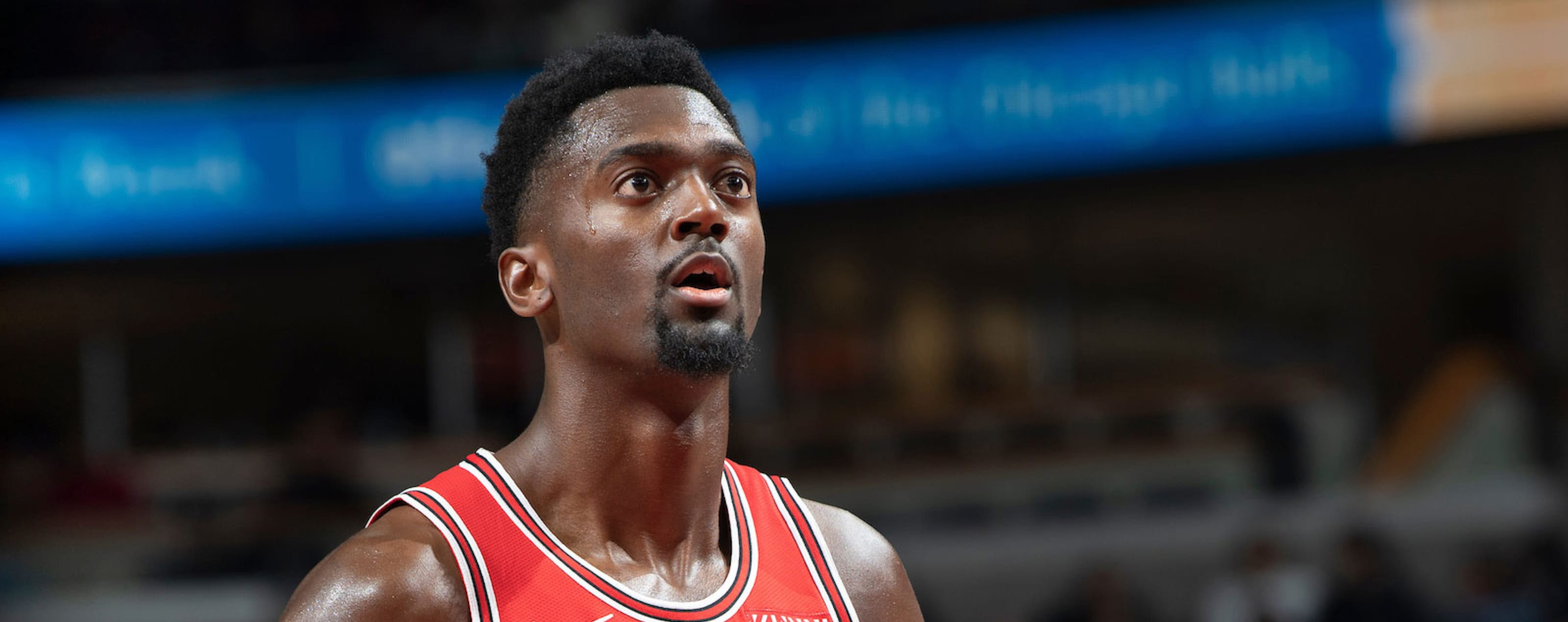 Bobby Portis prepares to shoot a free throw