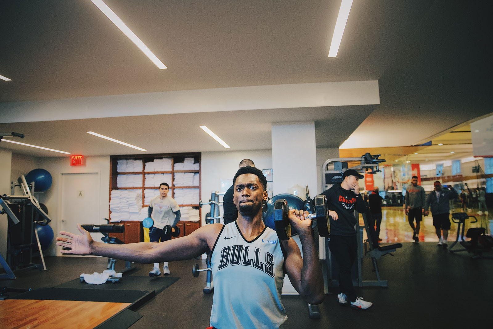 Bobby Portis training with weights at the Advocate Center