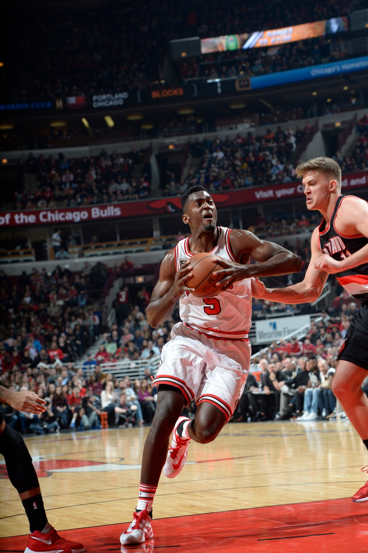 Bulls can t stay with Blazers in 103 95 loss in Chicago