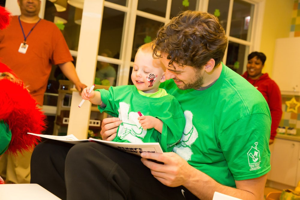 Gasol, Bulls brighten the day for children at Chicago's Ronald McDonald House