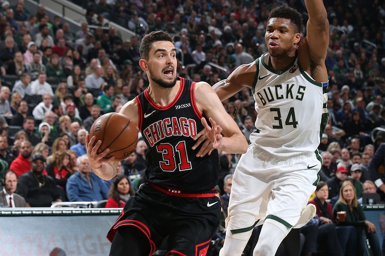Tomas Satoransky driving vs. The Bucks