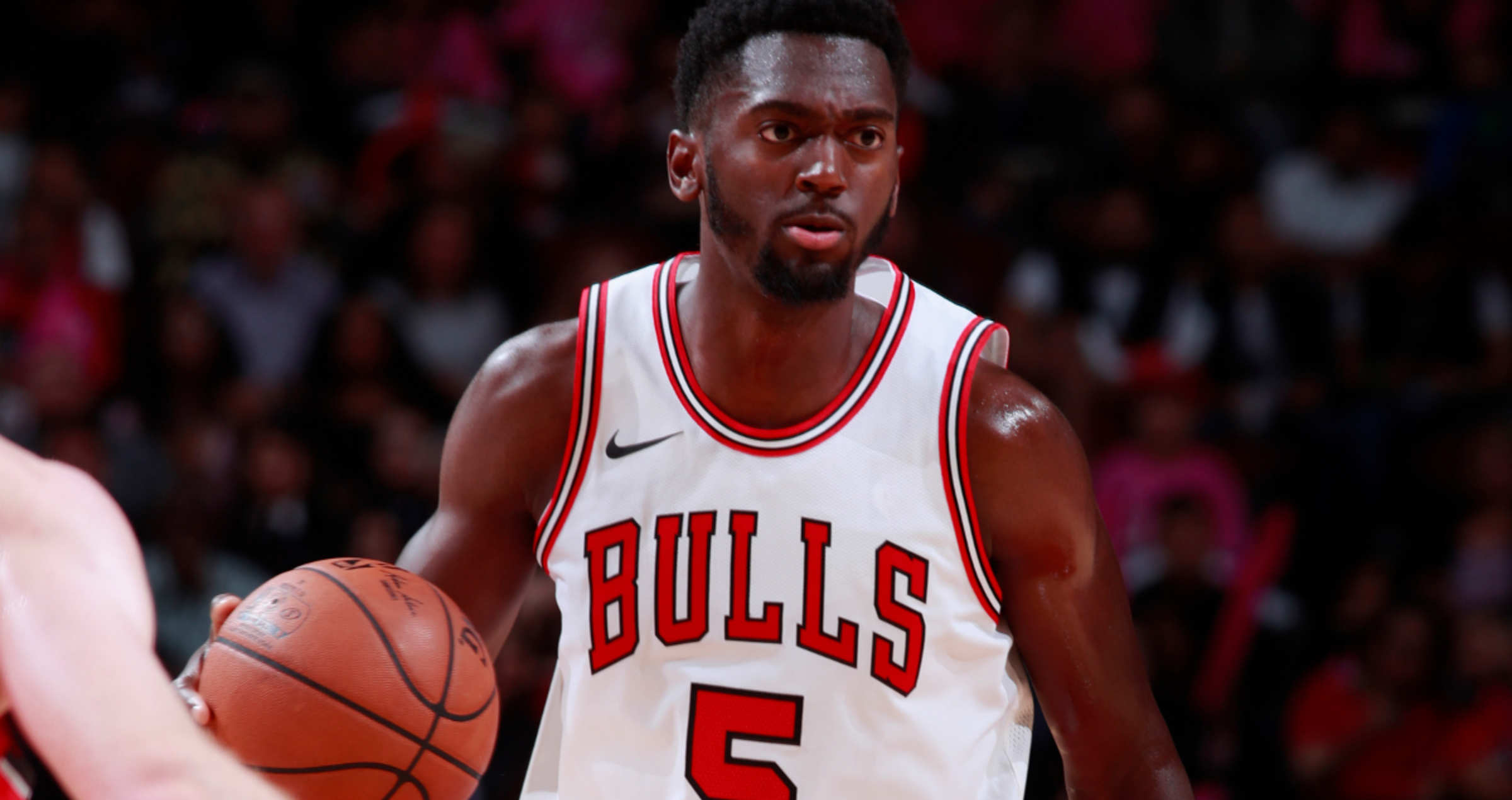 OCTOBER 13: Bobby Portis #5 of the Chicago Bulls handles the ball against the Toronto Raptors on October 13, 2017 at the United Center in Chicago, Illinois
