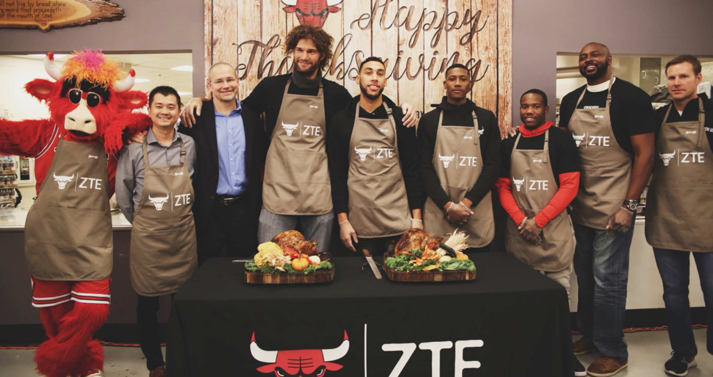 Bulls players and staff serve Thanksgiving meals at Pacific Garden Missions