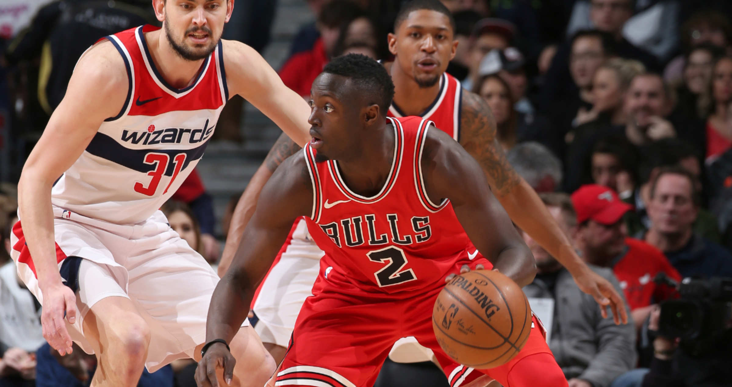 Jerian Grant dribbles against the Washington Wizards