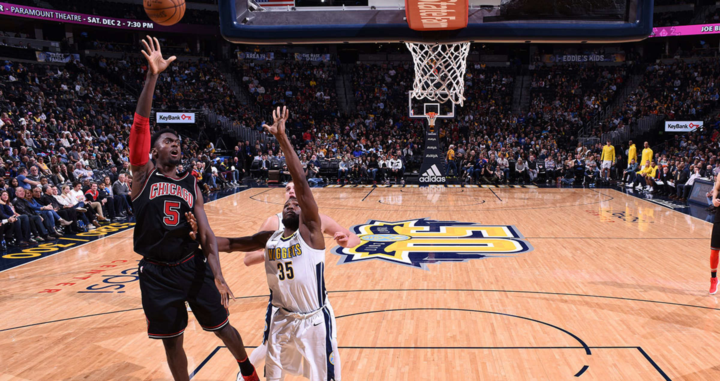 Bobby Portis shoots the ball against the Denver Nuggets