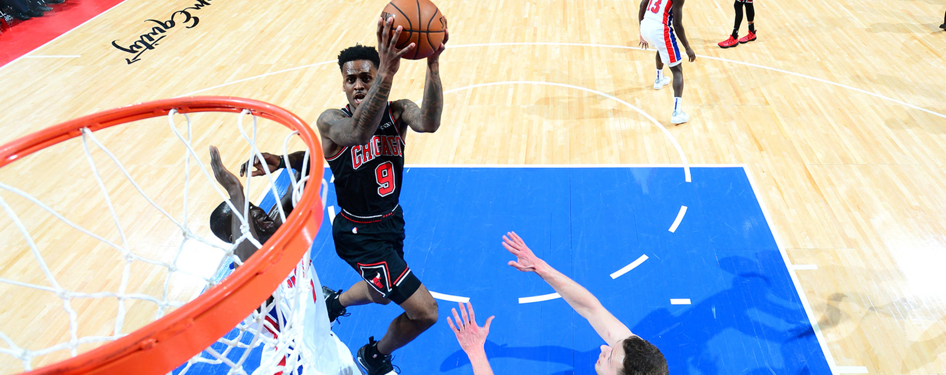 Antonio Blakeney shoots the ball against the Detroit Pistons