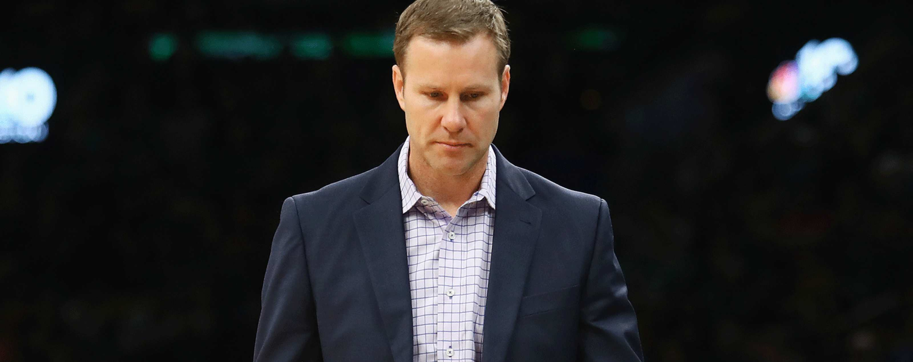 4d7650a95260 Fred Hoiberg of the Chicago Bulls reacts during the second half against the  Boston Celtics at
