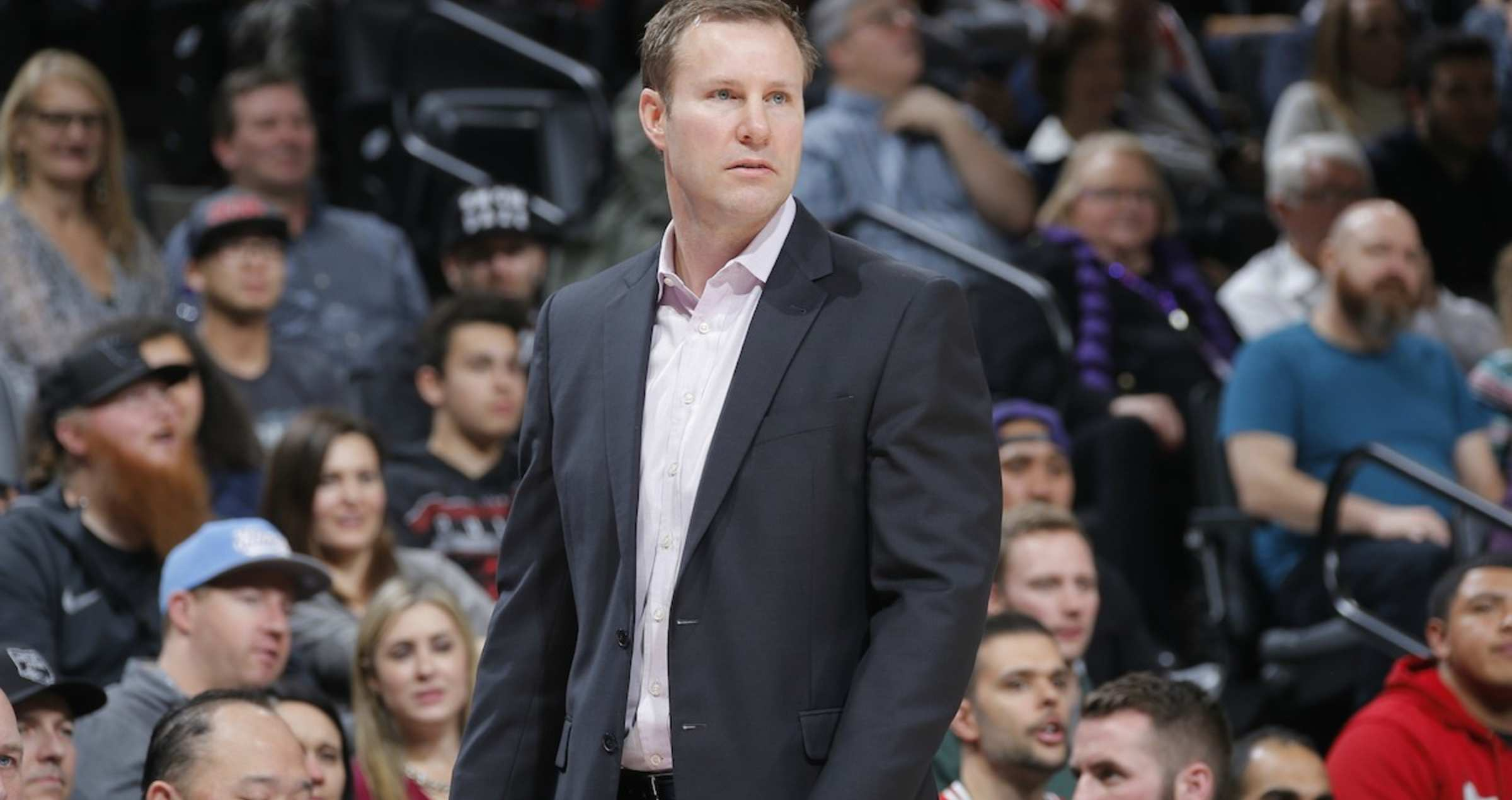 Coach Hoiberg walks the sidelines during the Bulls vs. Kings game on Monday night.