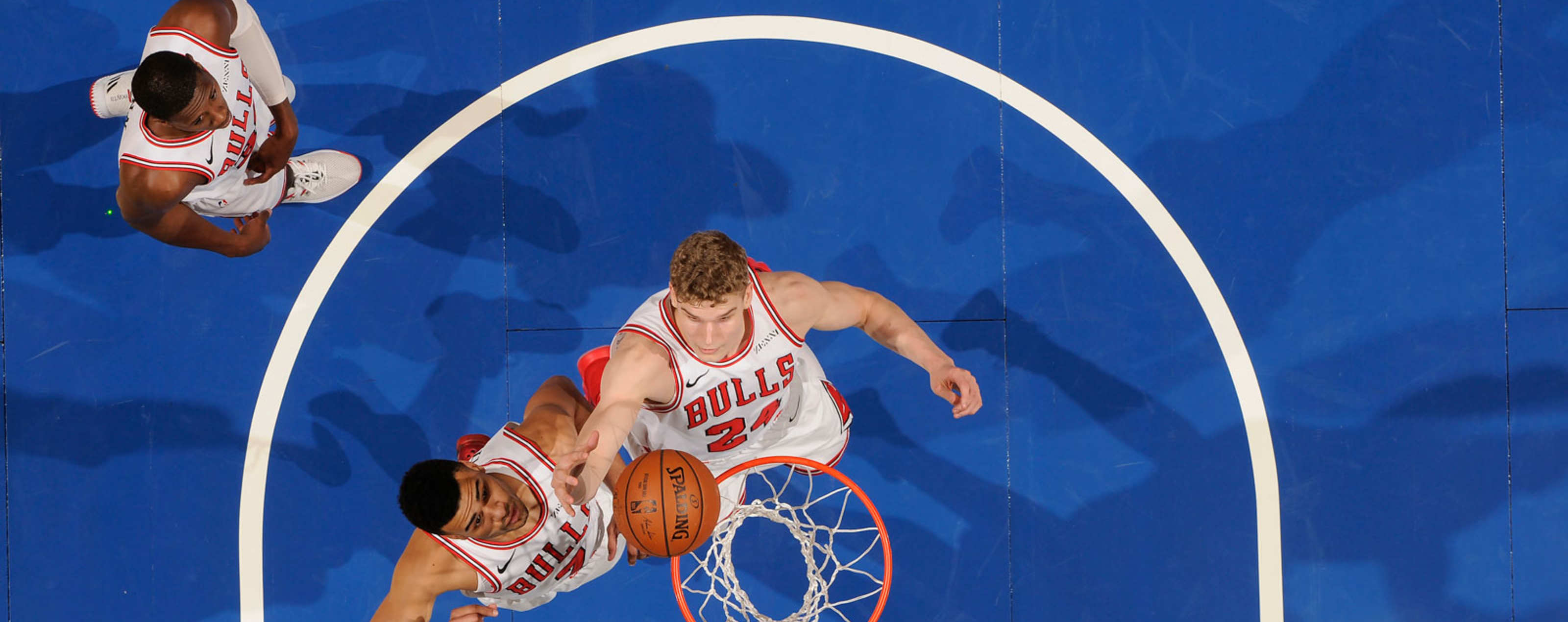 Lauri Markkanen #24 of the Chicago Bulls shoots the ball against the Orlando Magic on February 22, 2019 at Amway Center in Orlando, Florida.