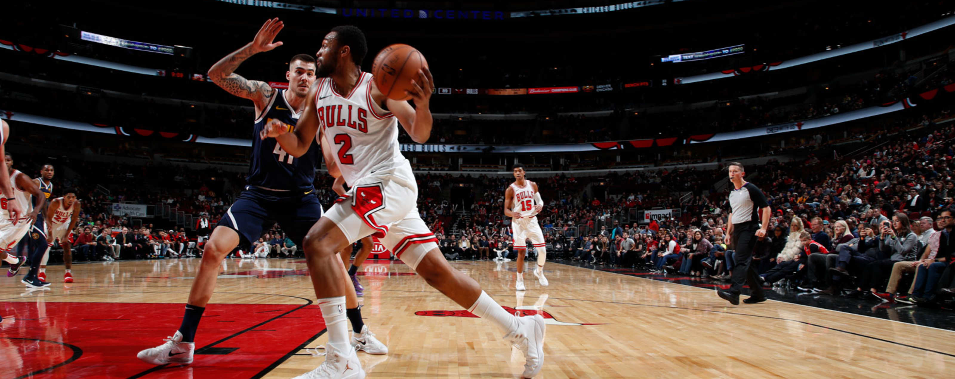 Jabari Parker #2 of the Chicago Bulls drives the ball against the Denver Nuggets