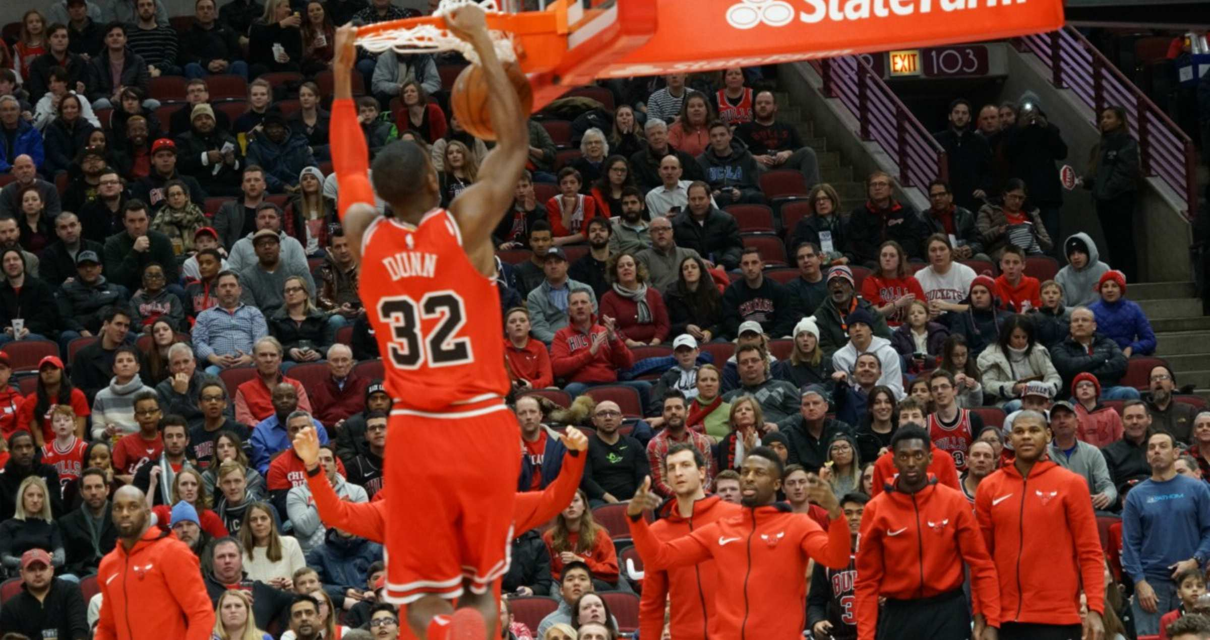 Kris Dunn dunks over New York, as they win their second-straight game.