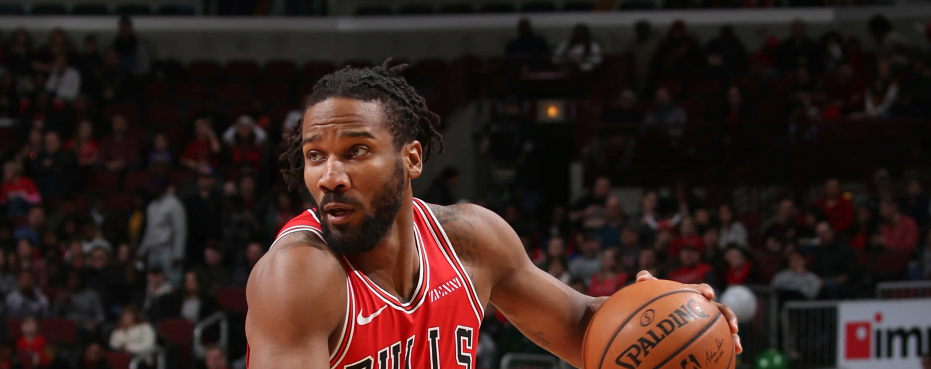 Wayne Selden #14 of the Chicago Bulls drives to the basket against the Cleveland Cavaliers on January 27, 2019 at the United Center in Chicago, Illinois.