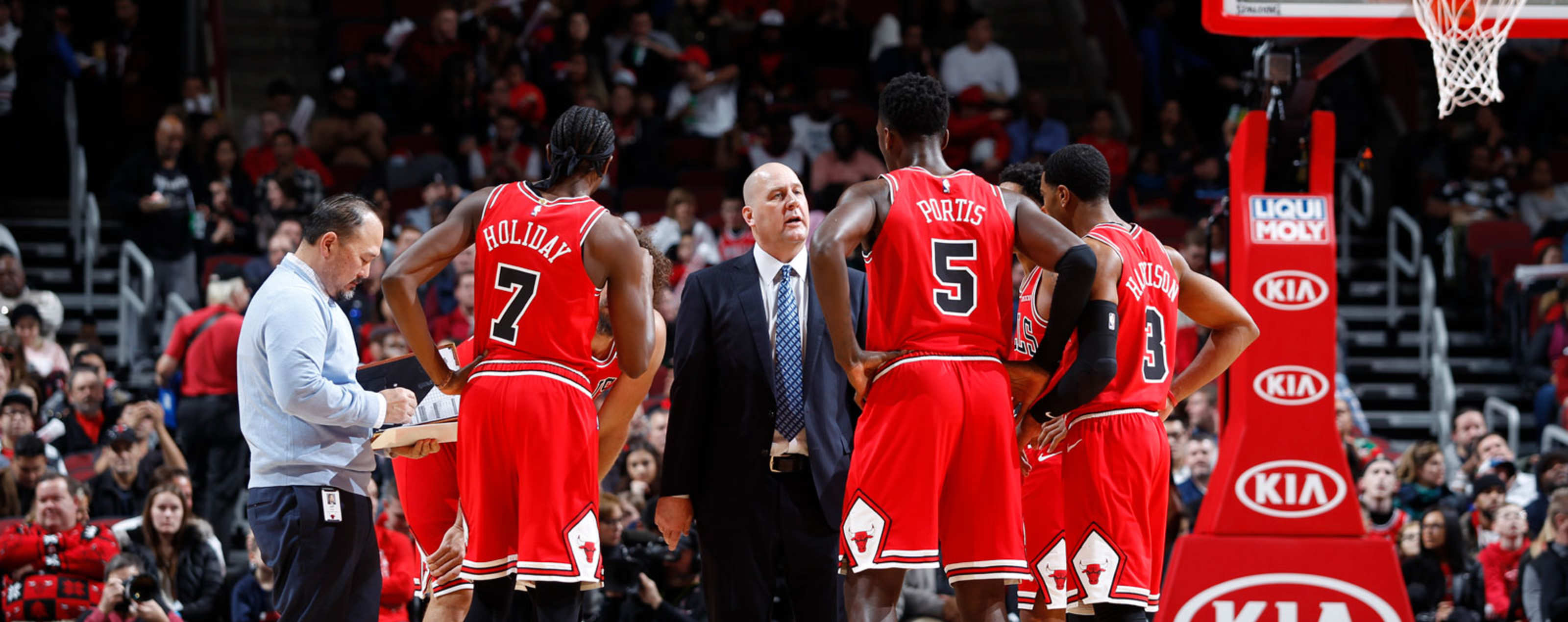 The Chicago Bulls huddle during a timeout against the Brooklyn Nets.