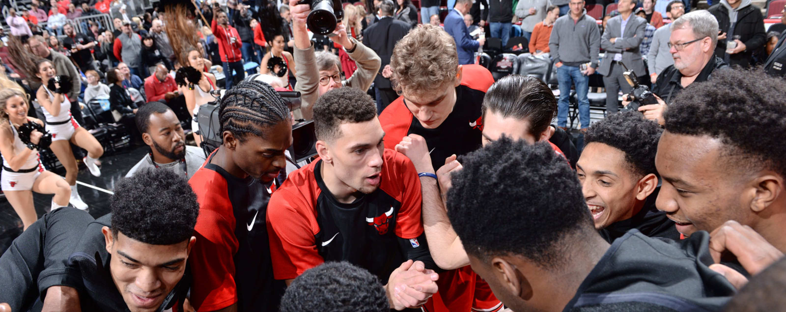 Chicago Bulls huddle before a game.