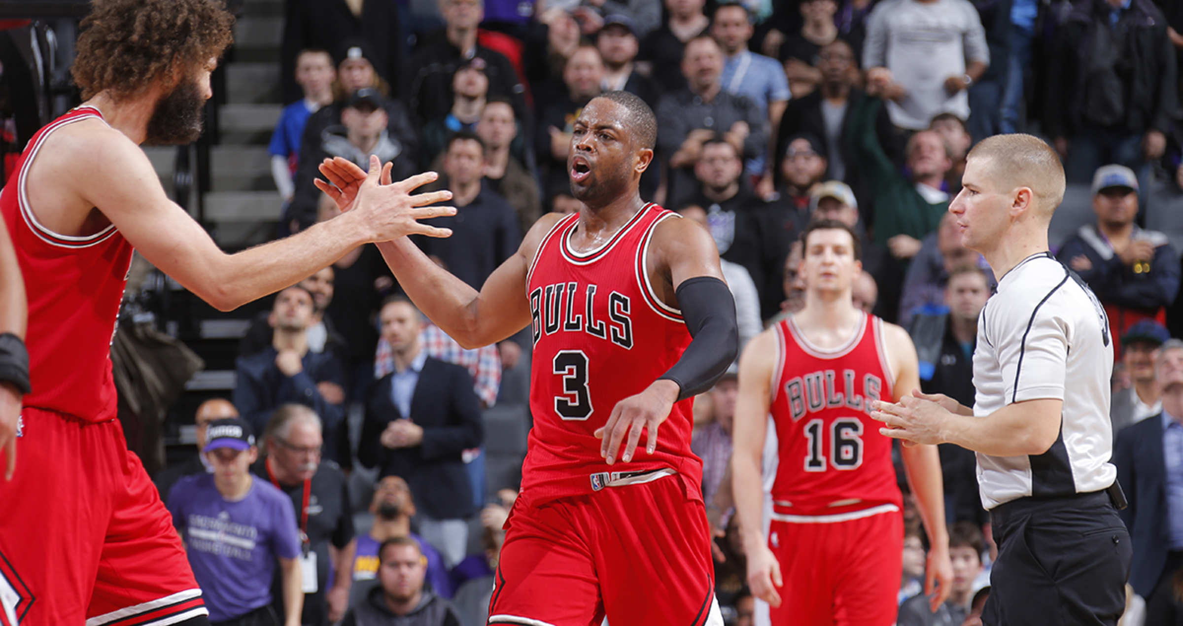43270f074 Bulls beat Kings to go to 2-1 on road trip