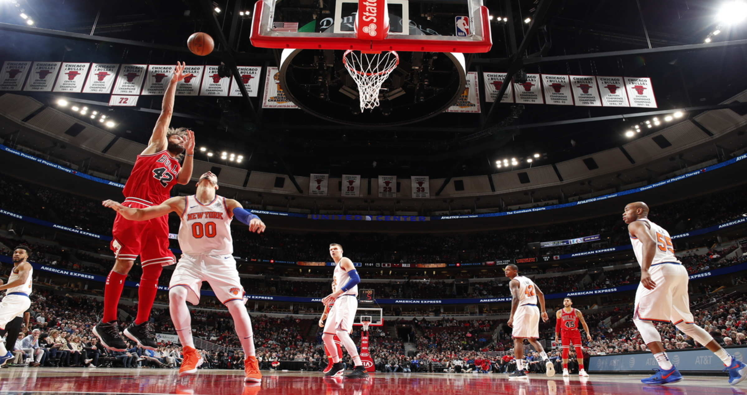 Lopez comes up with a hook shot, as the Bulls beat the Knicks