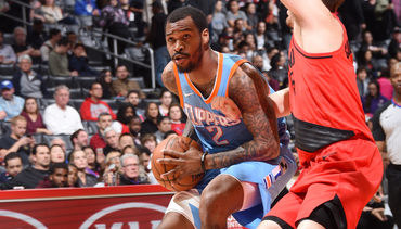 Bulls sign Sean Kilpatrick; waive CJ Fair