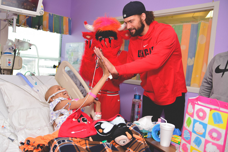 BULLS AND ADVOCATE RENOVATE TEEN ROOM AT ADVOCATE CHILDREN'S HOSPITAL OAK LAWN