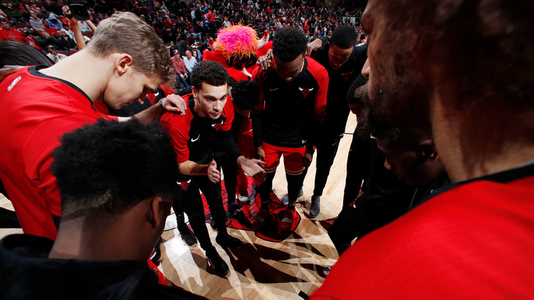 Chicago Bulls huddle up against the Oklahoma City Thunder on December 7, 2018 at United Center in Chicago, Illinois.