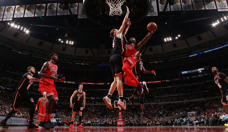 Dragic stars with 24 points as Heat gore Bulls
