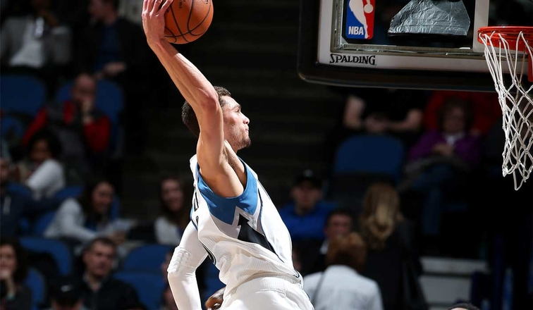 Zach LaVine #8 of the Minnesota Timberwolves goes for the dunk during the game against the Indiana Pacers on January 26, 2017 at Target Center in Minneapolis, Minnesota.