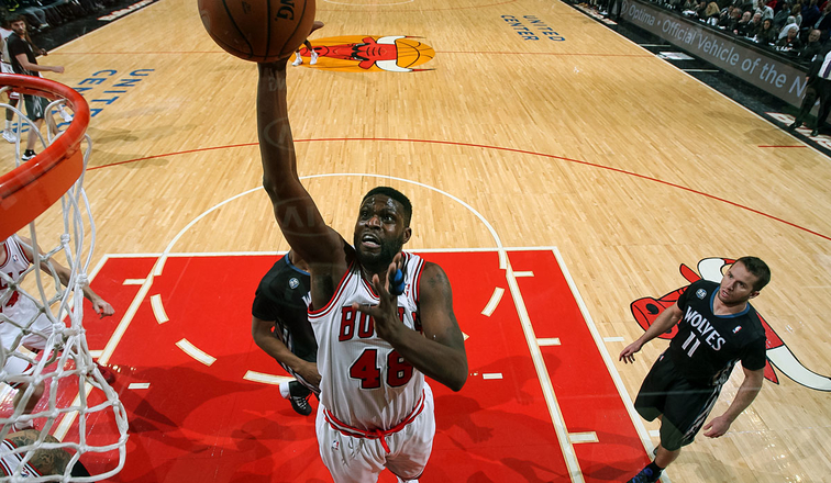 Chicago's Mohammed back for a 17th NBA season