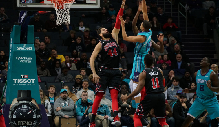Mirotic comes up with the block in the win against Charlotte