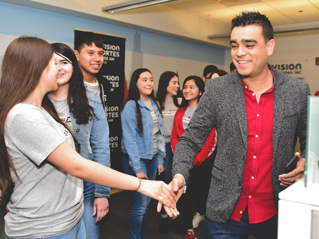 STUDENTS IN KIA'S SPORTS 37 PROGRAM GET BACKSTAGE TOUR OF UNIVISION