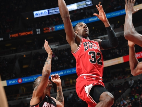 Defensive woes continue as Bulls fall to Heat, 117-103