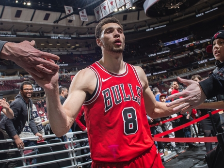 Bulls match Sacramento's offer to keep Zach LaVine