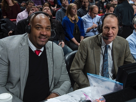After almost five decades, long-time Bulls announcer Neil Funk to cut back 20 games in 2018-19