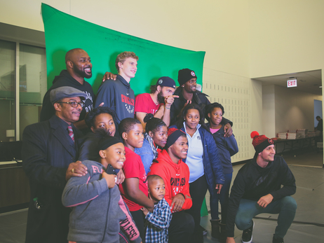 CHICAGO BULLS HOST HOLIDAY PARTY FOR 30 FAMILIES