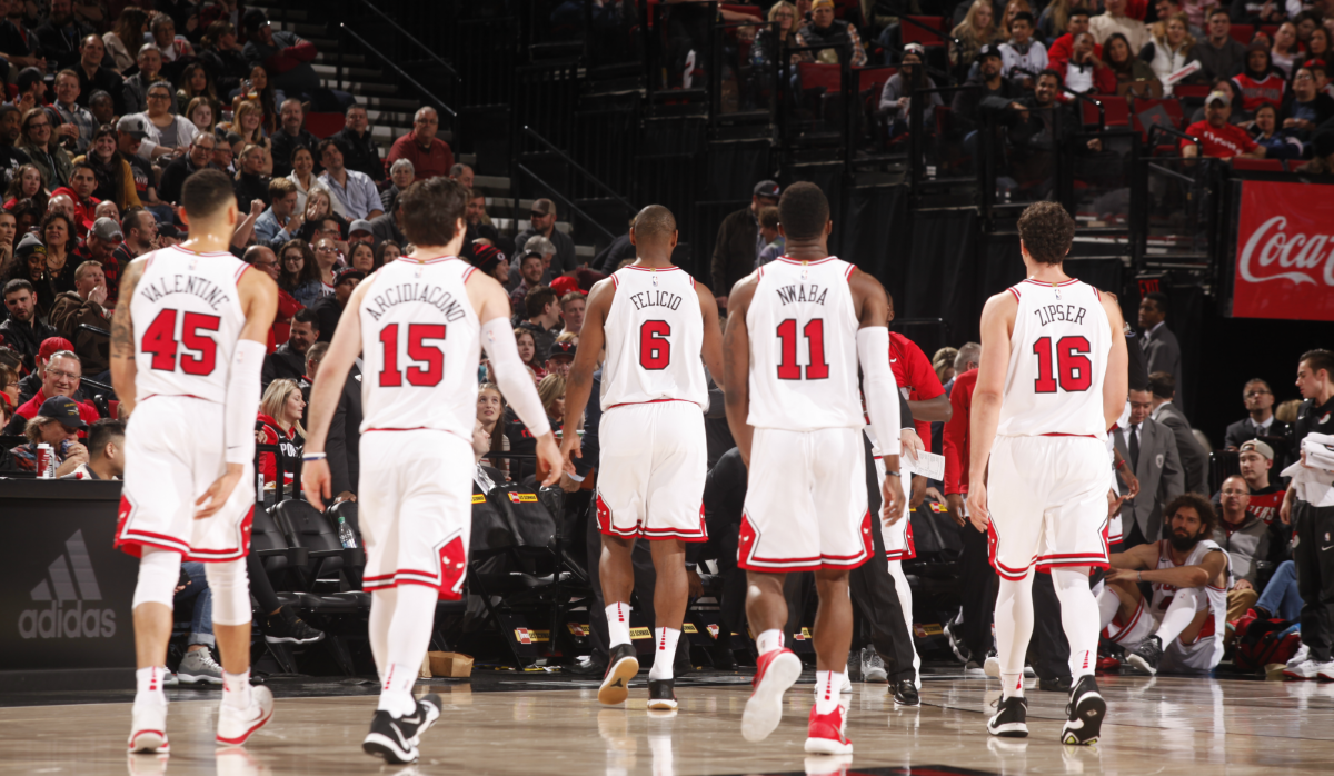 Team-back-to-bench-resize