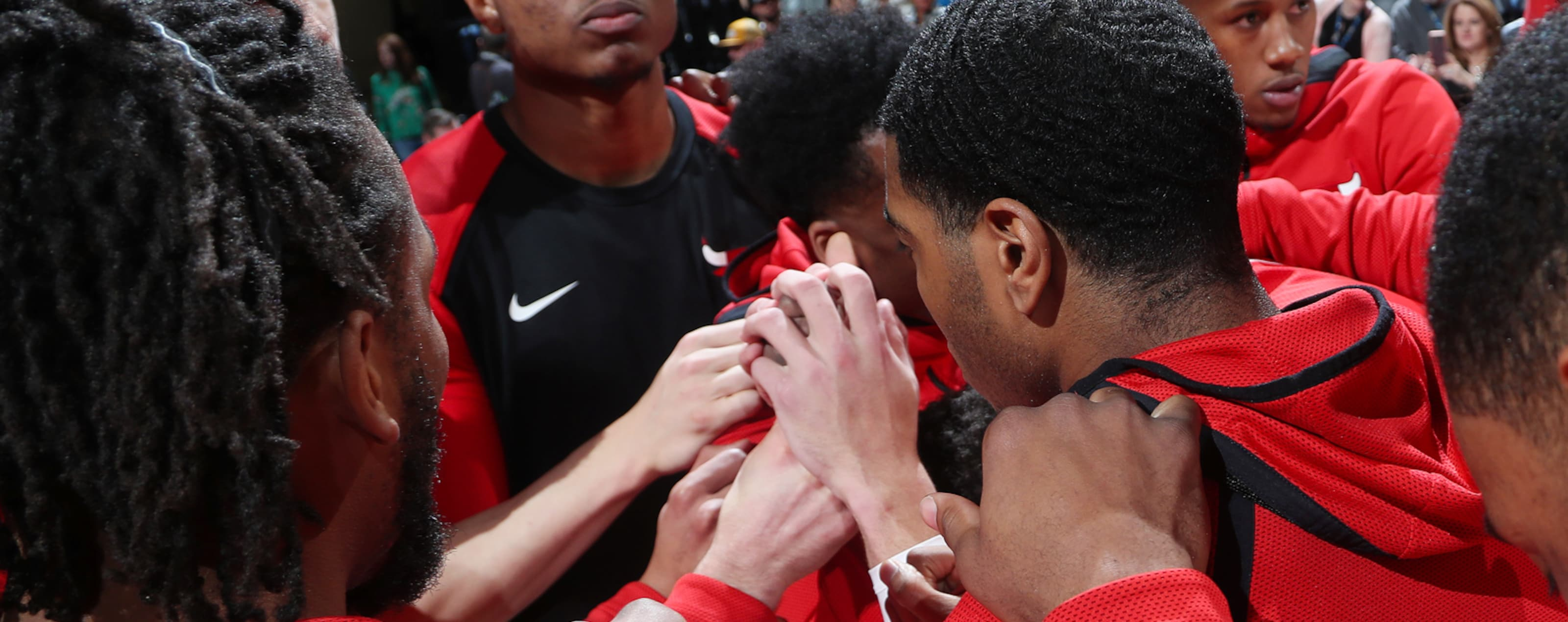 the Chicago Bulls huddle pregame