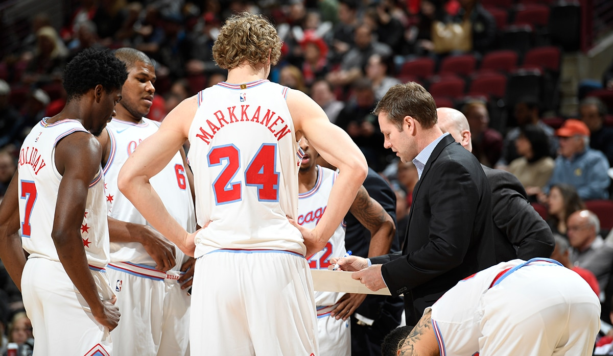Bulls huddle against Milwaukee Bucks