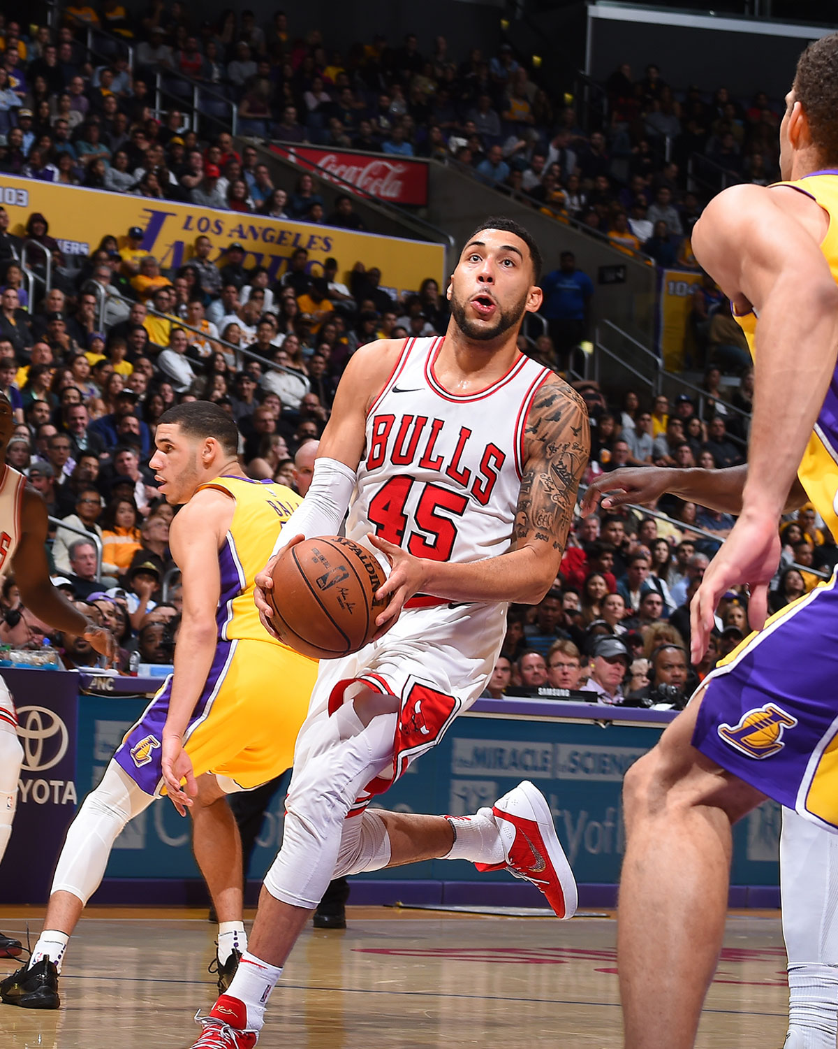 Denzel Valentine #45 of the Chicago Bulls handles the ball against the Los Angeles Lakers on November 21, 2017 at STAPLES Center in Los Angeles, California.